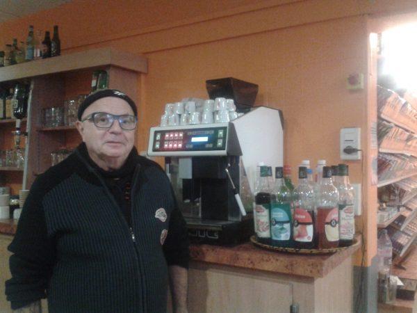 Monsieur Petit-Germot, derrière le comptoir du Ranelagh