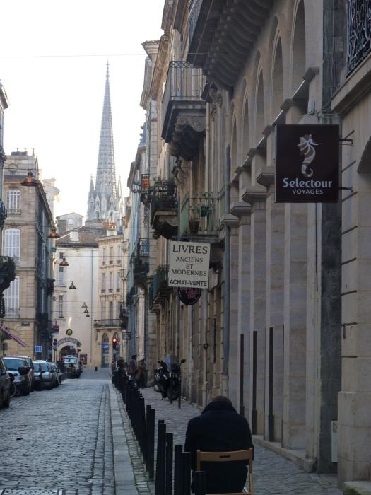 A l'horizon : la flèche Saint-Michel