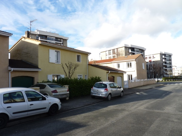 Maisons mitoyennes et HLM du Clos Montesquieu (Mérignac)