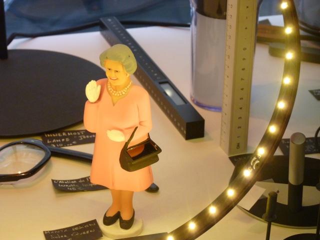 Queen Elizabeth saluant le partenariat Bordeaux 2066 / Invisible Bordeaux