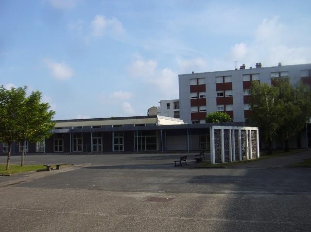 La cour du lycée