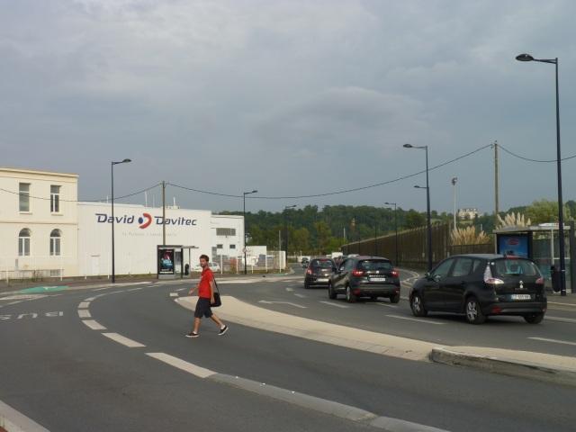 Une rue favorable aux voitures