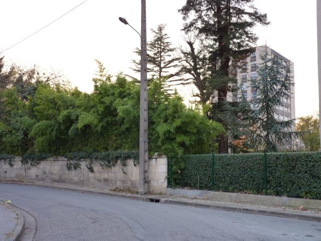 Résidence Parc Borghese et vieux mur d'enceinte