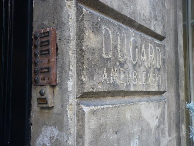 Souvenir de Dugard à l'entrée de Grange
