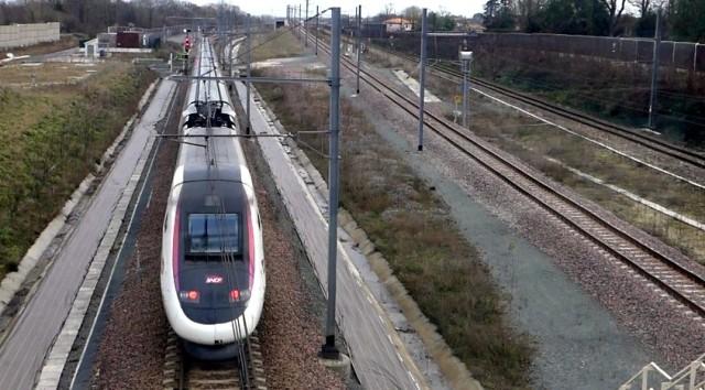 01-Train
